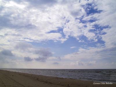 Sǟnag beach.