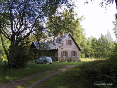 Sǟnag village homes I.